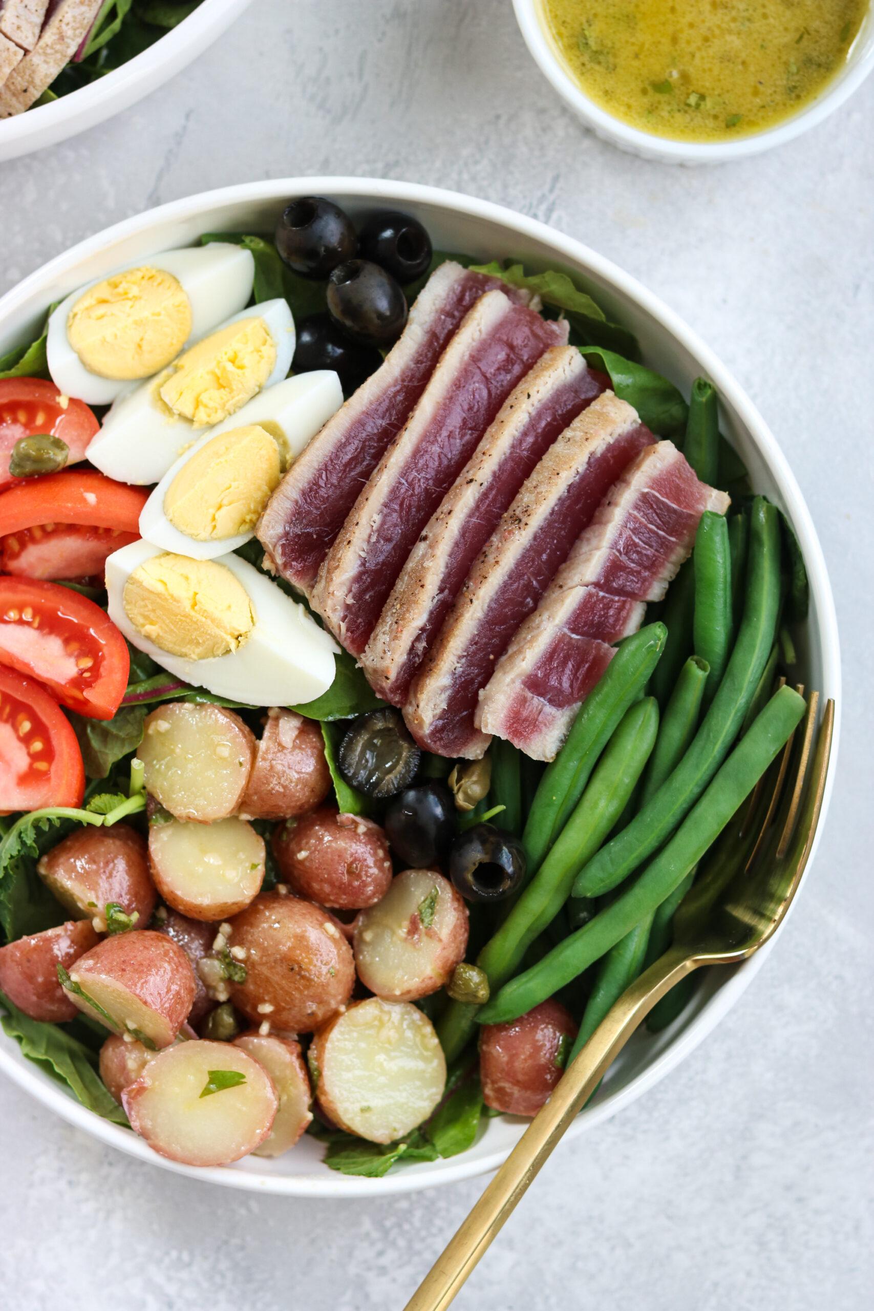 Whole30 Nicoise Salad with Tuna