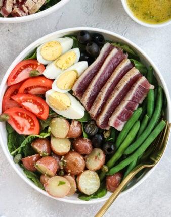 Whole30 Nicoise Salad with Champagne Vinaigrette