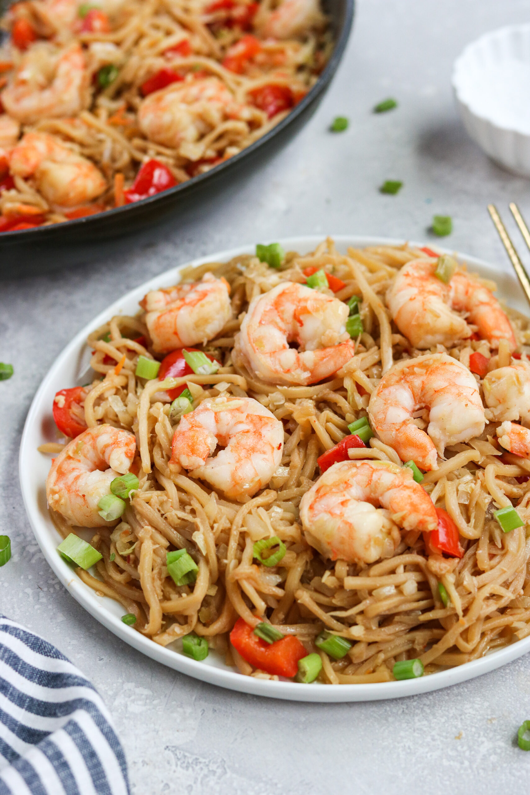 Shrimp lo mein with hearts of palm noodles